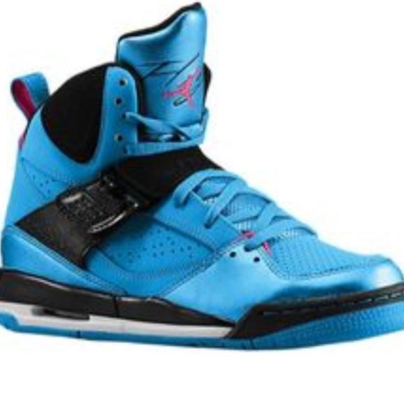design intemporel 1f107 c4b05 Girl's Nike Flight 45 Jordan's